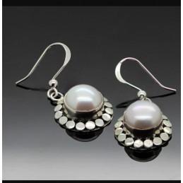 Womens Classy Pearl Earings